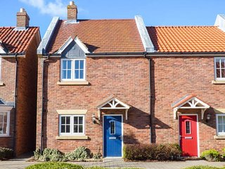 SEASCAPE, end-terrace, open plan, holiday village near Filey, Ref 21873 - Filey vacation rentals