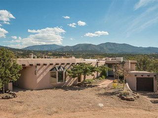Two Casitas - La Loma Vista- Majestic Views, Spacious Home, Soon to be 5 bedroom - Santa Fe vacation rentals