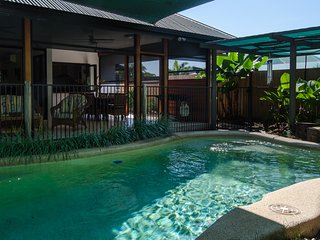 Harbour Haven - 4 bedrooms, pool, built for tropical living. - Trinity Beach vacation rentals