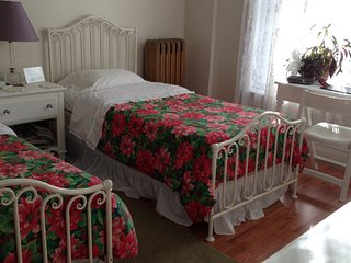 5 bedroom Bed and Breakfast with Game Room in Troy - Troy vacation rentals