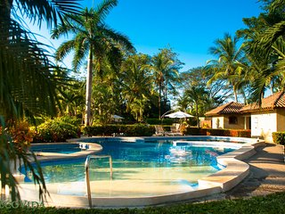 EcoVida Casa Cozy - Walk to the Beach! Huge Community Pools! - Playa Bejuco vacation rentals