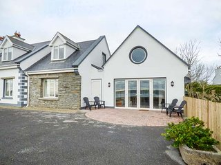 MARINO, detached, two bedrooms, beautiful views, WiFi, in Liscannor, Ref 952863 - Liscannor vacation rentals