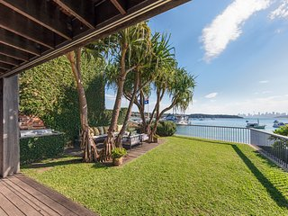 Perfect House with Parking and Private Outdoor Pool - Watsons Bay vacation rentals