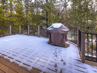 LAR04 3rd Night Free Over Presidents' Day Weekend - Sunriver vacation rentals