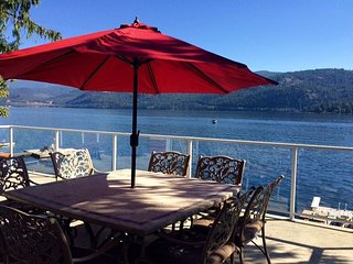 A 3 bedroom home with elevated views over the lake. - Christina Lake vacation rentals