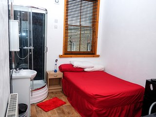 1 bedroom Private room with Washing Machine in Sheerness - Sheerness vacation rentals