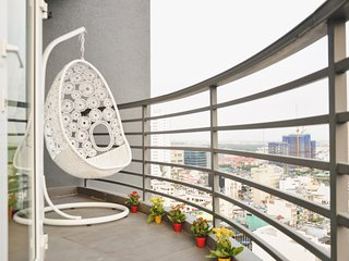 BEN THANH TOWER - LUXURY APARTMENT - 2 BEDROOM - Ho Chi Minh City vacation rentals