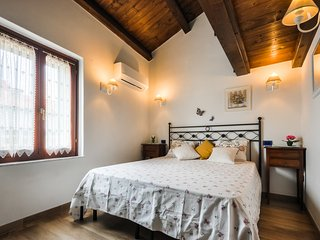 Charming location apt  Old Town  FREE WI-FI - Alghero vacation rentals