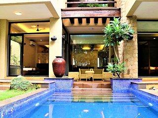 Bright 5 bedroom Khandala Villa with Television - Khandala vacation rentals