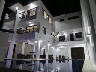 M. GO RESORT PANSOL , Hot Spring Private Pool . Purok 1, Pansol, Calamba, Laguna - Calamba vacation rentals
