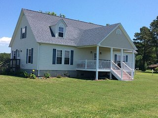 A waterfront vacation rental located on the Chesapeake Bay - Fishing Creek vacation rentals