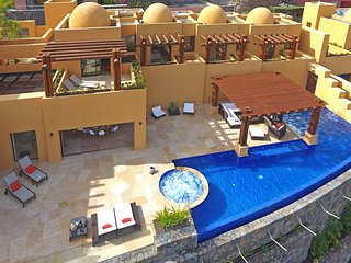 Villa Moringa, luxury holiday villa with 5 bedrooms, private pool and jacuzzi - Maspalomas vacation rentals