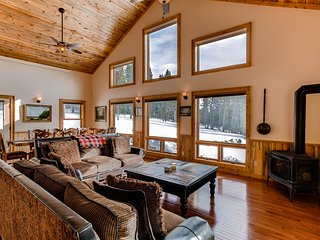 Chessetts Lodge - Brand New Private Custom Lodge with Hot Tub/Pool Table/Sauna - - Alma vacation rentals