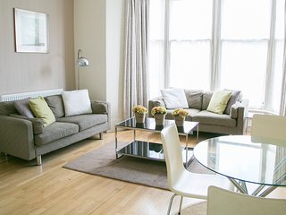 67 Kings Road Deluxe 2 bedroom apartment - Harrogate vacation rentals