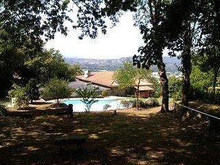 Summer refuge with swimming pool - Valença vacation rentals