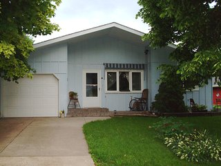 Fully furnished, cozy home in South La Crosse - La Crosse vacation rentals