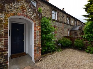 Charming House with Internet Access and Fireplace - Wymondham vacation rentals