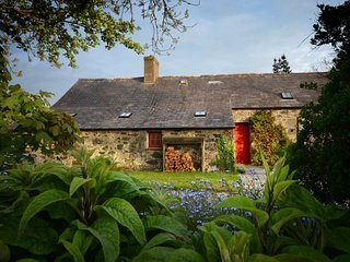 2 bedroom House with Fireplace in Llwyndyrys - Llwyndyrys vacation rentals