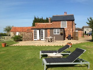 36016 Cottage in Frinton on Se - Holland-on-Sea vacation rentals