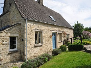 Charming House with Internet Access and Fireplace - Chedworth vacation rentals