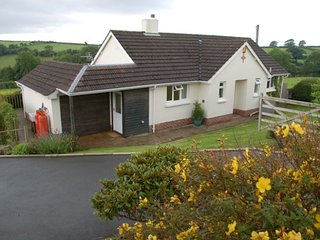 Lovely 3 bedroom Marwood House with Internet Access - Marwood vacation rentals
