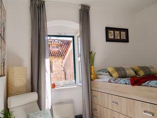 1 bedroom Apartment with Internet Access in Makarska - Makarska vacation rentals
