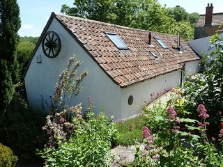 2 bedroom Barn with Internet Access in Banwell - Banwell vacation rentals
