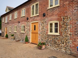 Perfect 2 bedroom Barn in Worstead with Internet Access - Worstead vacation rentals