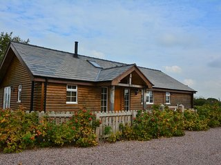 Nice 3 bedroom Cabin in Tarporley - Tarporley vacation rentals