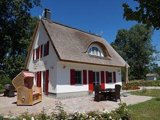 Romantikurlaub im Reethaus Lucia - Glowe vacation rentals