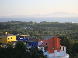 ILIS VILLAS Yrmini, blue lilac, all gr. floor - Kastro vacation rentals