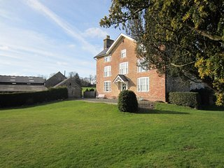 8 bedroom House with Internet Access in Titley - Titley vacation rentals