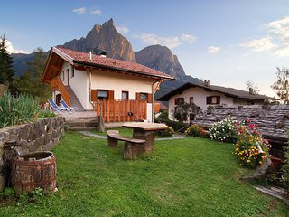 200A - Haus Woerndle - One-Bedroom Duplex with balcony - Alpe di Siusi vacation rentals