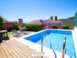 "Stunning mountain views Villa in ""El Vendrell"" for 8 people! - Costa Dorada vacation rentals"