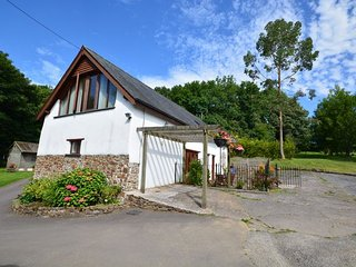 Perfect House with Internet Access and Game Room - Chittlehamholt vacation rentals