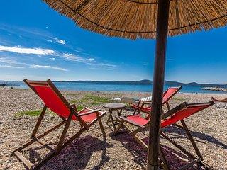 Maja3 1BR (2+1) apt. near beach with free parking - Sukosan vacation rentals