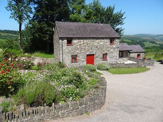 Charming 3 bedroom House in Cribyn with Internet Access - Cribyn vacation rentals
