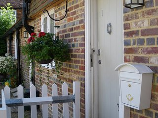 Charming 2 bedroom House in Burwash with Internet Access - Burwash vacation rentals
