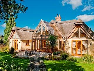 Charming 2 bedroom House in Stuckton - Stuckton vacation rentals