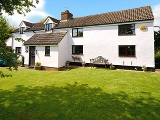 Charming 4 bedroom House in Maids Moreton - Maids Moreton vacation rentals