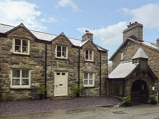 PENYBRYN, detached, character features, woodburner, luxury cottage, in - Maentwrog vacation rentals