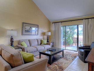 Relax at 'Clubhouse Corner'Just Updated! Shorter stays now available! - Sandestin vacation rentals