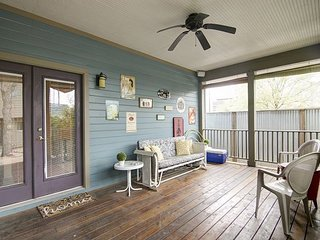East 2nd Main House - 2br/2ba renovated charmer - WALK to downtown! - Austin vacation rentals