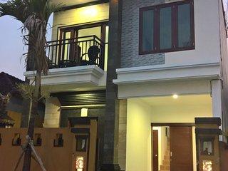 3 bedroom House with Television in Serangan - Serangan vacation rentals