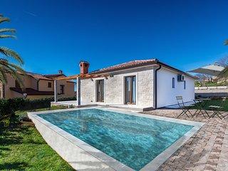Nice 3 bedroom House in Brtonigla with Internet Access - Brtonigla vacation rentals