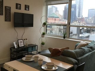 Luxury doorman 1 bedroom apt-Midtown, Sunshine!TOP floor 7 - New York City vacation rentals