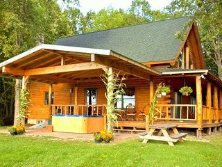 Spectacular Log Cabin w/ Mountain Views near Lake - Ferrisburg vacation rentals