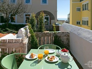 Ap 28 - Studio with river view and private terrace, Graça district - Lisboa vacation rentals
