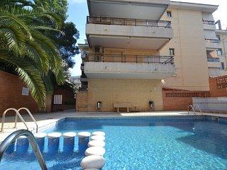 Comfortable 2 bedroom Salou Apartment with Internet Access - Salou vacation rentals