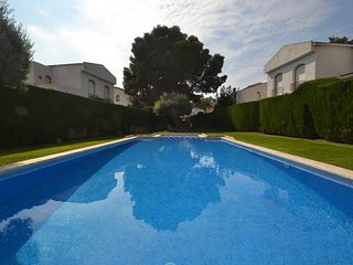 Nice 2 bedroom Villa in Miami Platja with A/C - Miami Platja vacation rentals